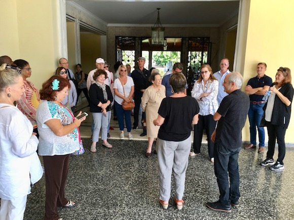USF arts group in Cuba