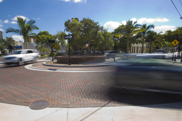 sarasota creates roundabouts to improve safety enhance traffic flow in urban neighborhoods. Black Bedroom Furniture Sets. Home Design Ideas