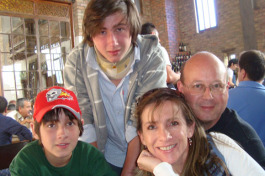 Edgardo Dangond and wife Adriana, with sons Felipe ( at  left)  and  Nicolas in Colombia, 2009.