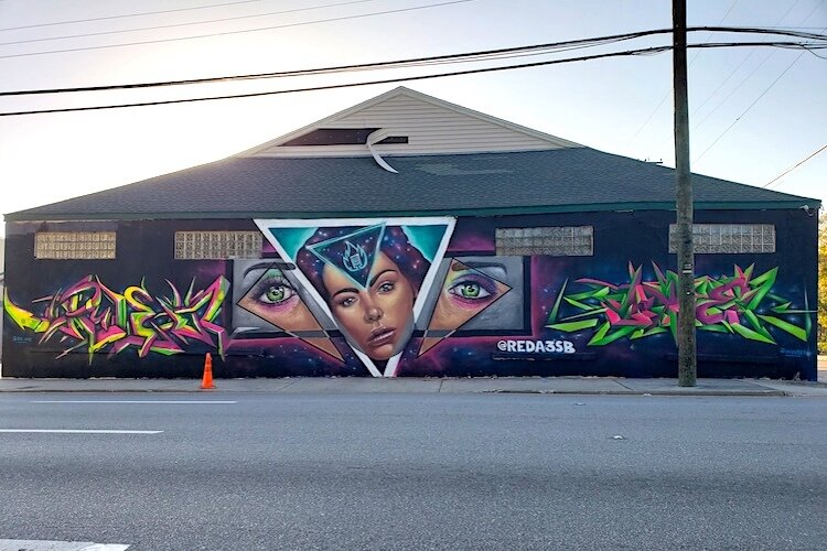 Mural by Ric 1, Reda3sb, and Wei.