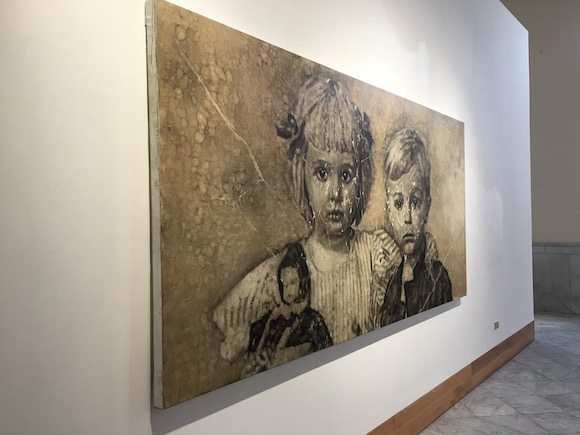 Children portrayed at Galeria de Arte in Havana